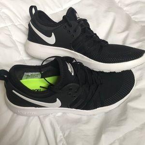 Shoes - nike free run